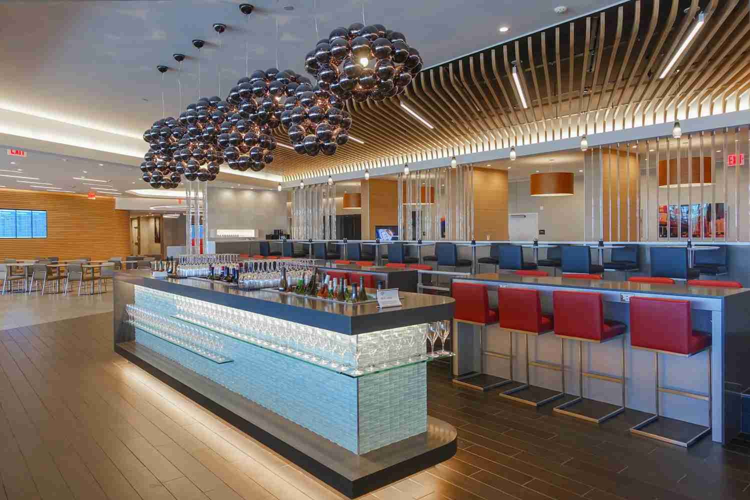 Image of the New York JFK Flagship Lounge courtesy of American Airlines.