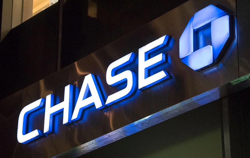 Chase Sapphire Cardholders Can Soon Earn 60k Points With a Sapphire Banking Account