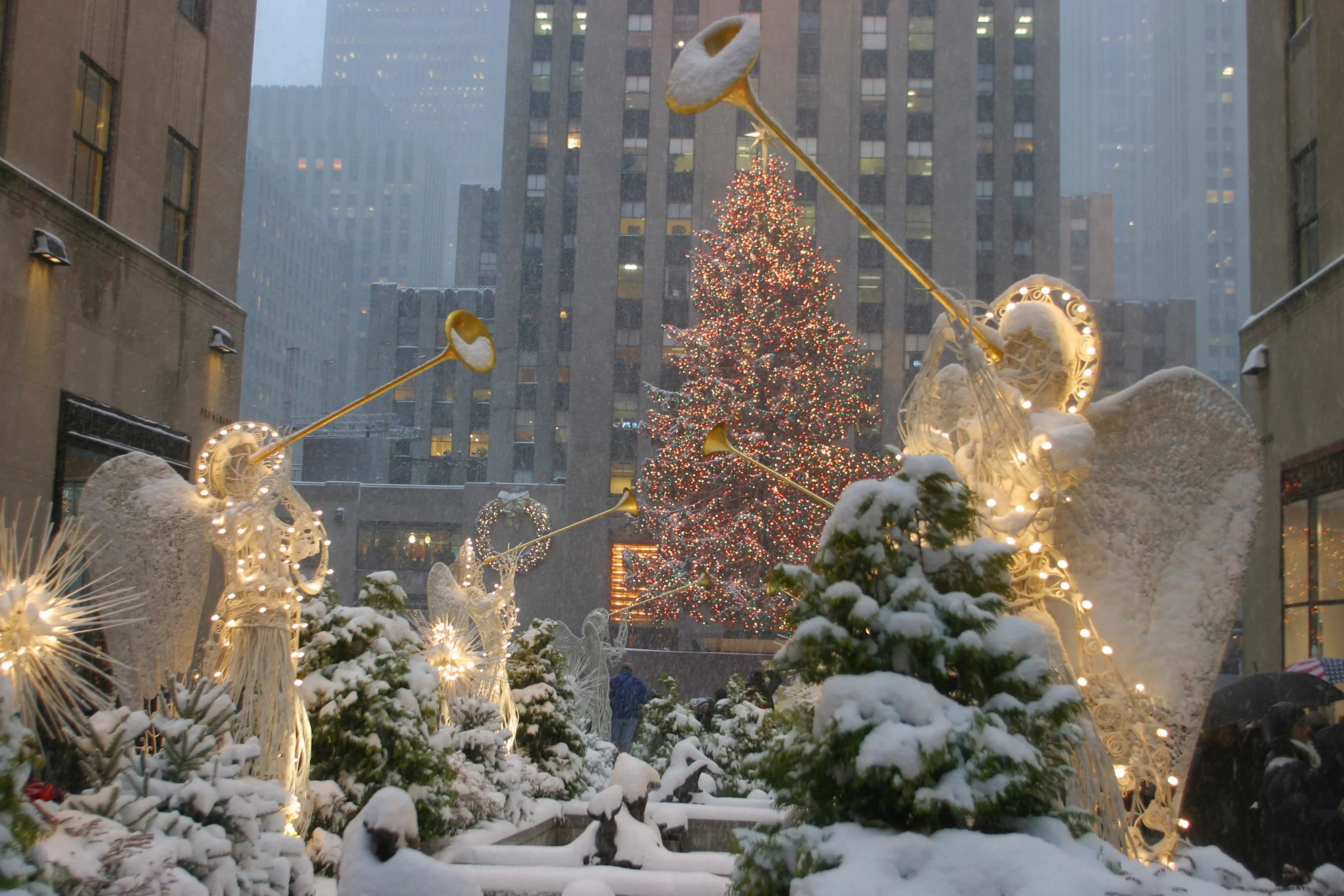 Your guide to New York City's can't-miss holiday happenings