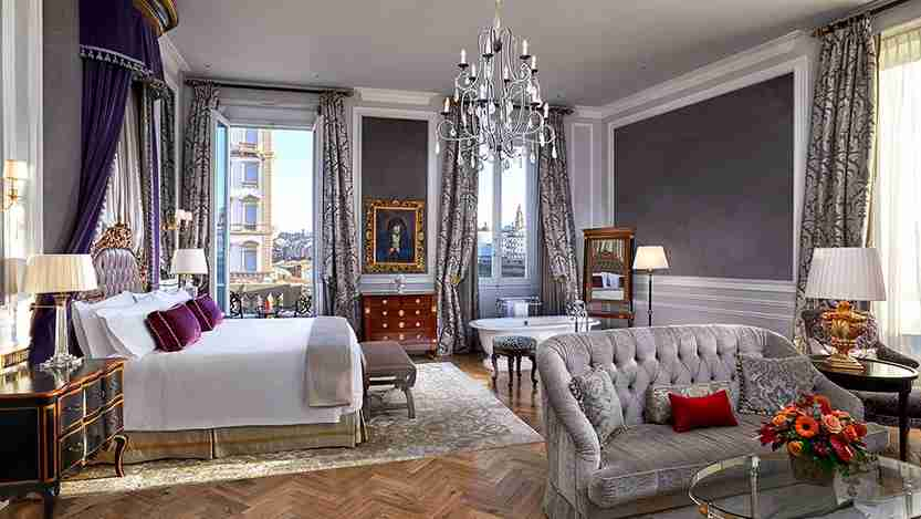 Junior suite at the St. Regis Florence. Photo courtesy of SPG