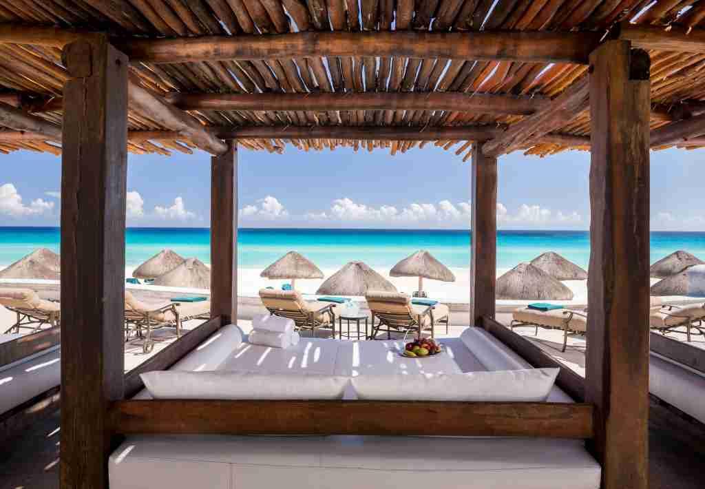 cabanas beach mexico cancun jw marriott