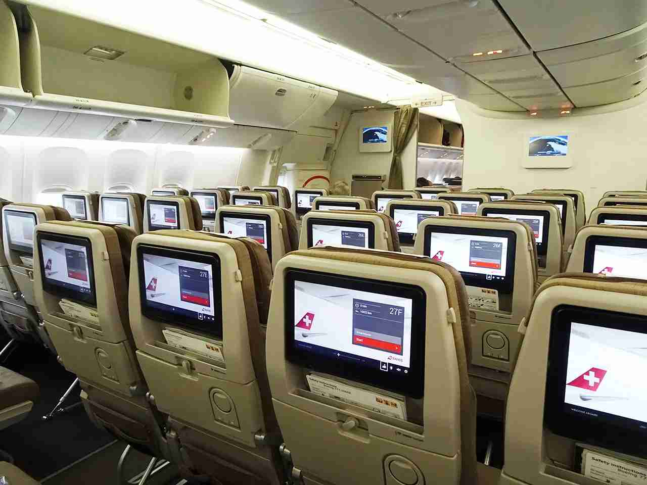 The economy cabin of a Swiss 777 (Photo by J Keith van Straaten / The Points Guy)