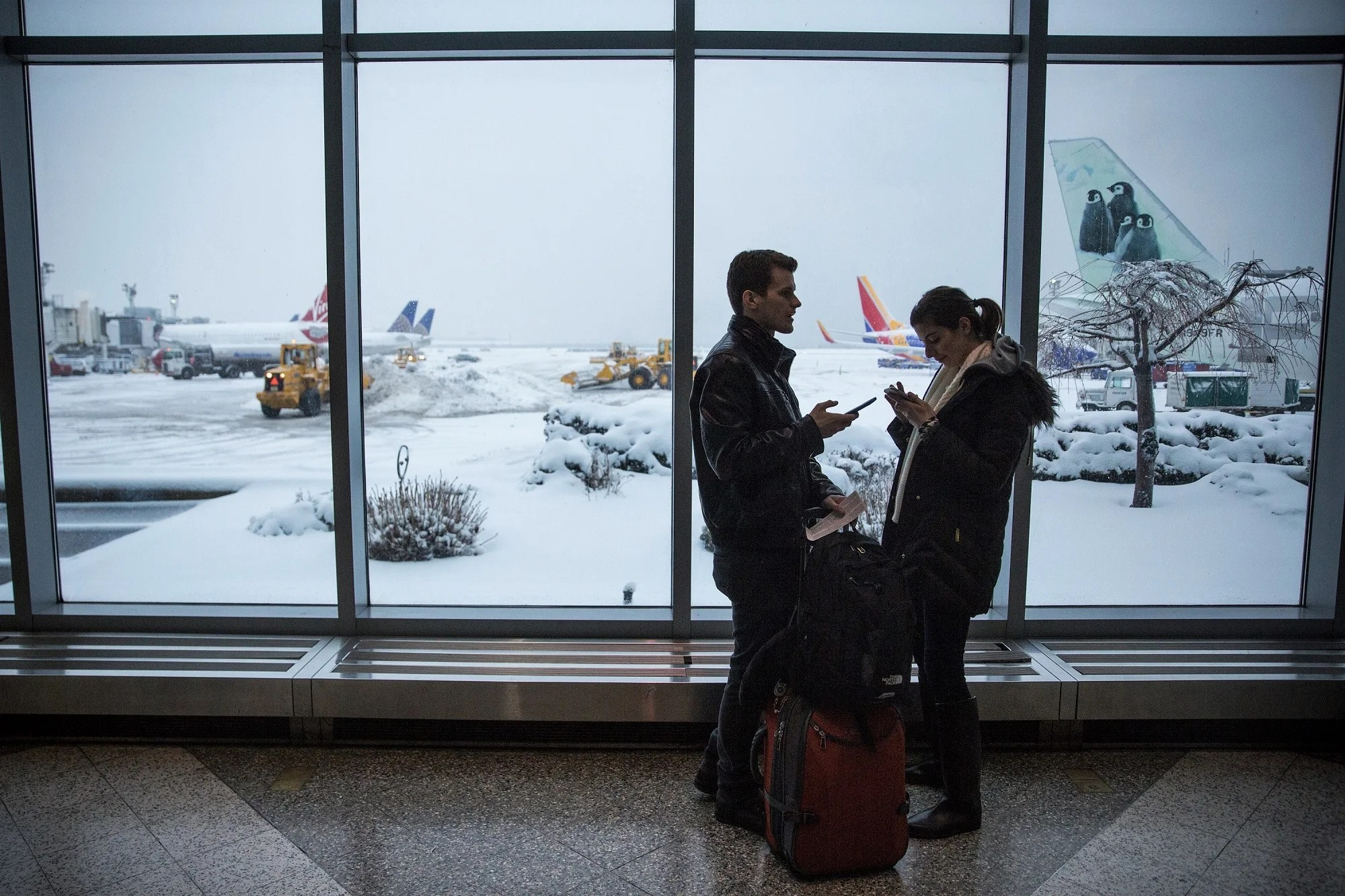 Airlines Issue Waivers as Winter Storm Warnings Issued for 7 States