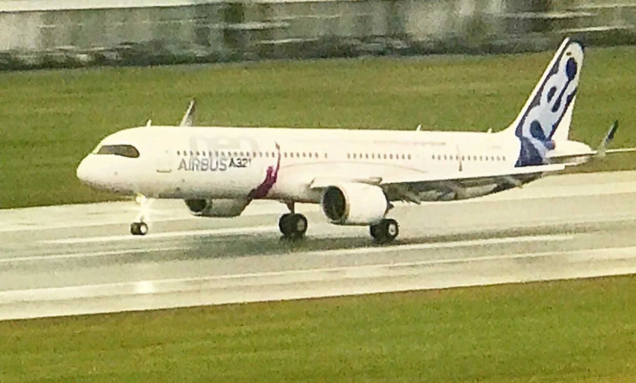 See The Brand New Airbus A321lr Make Its First Flight
