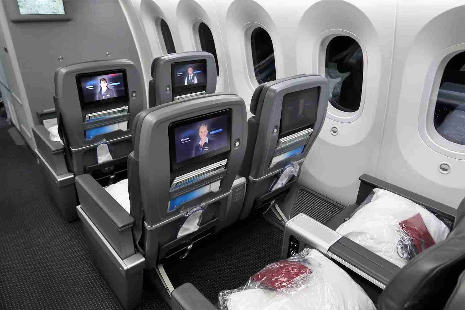 Photo of American Airlines 787-9 premium economy by JT Genter / The Points Guy.