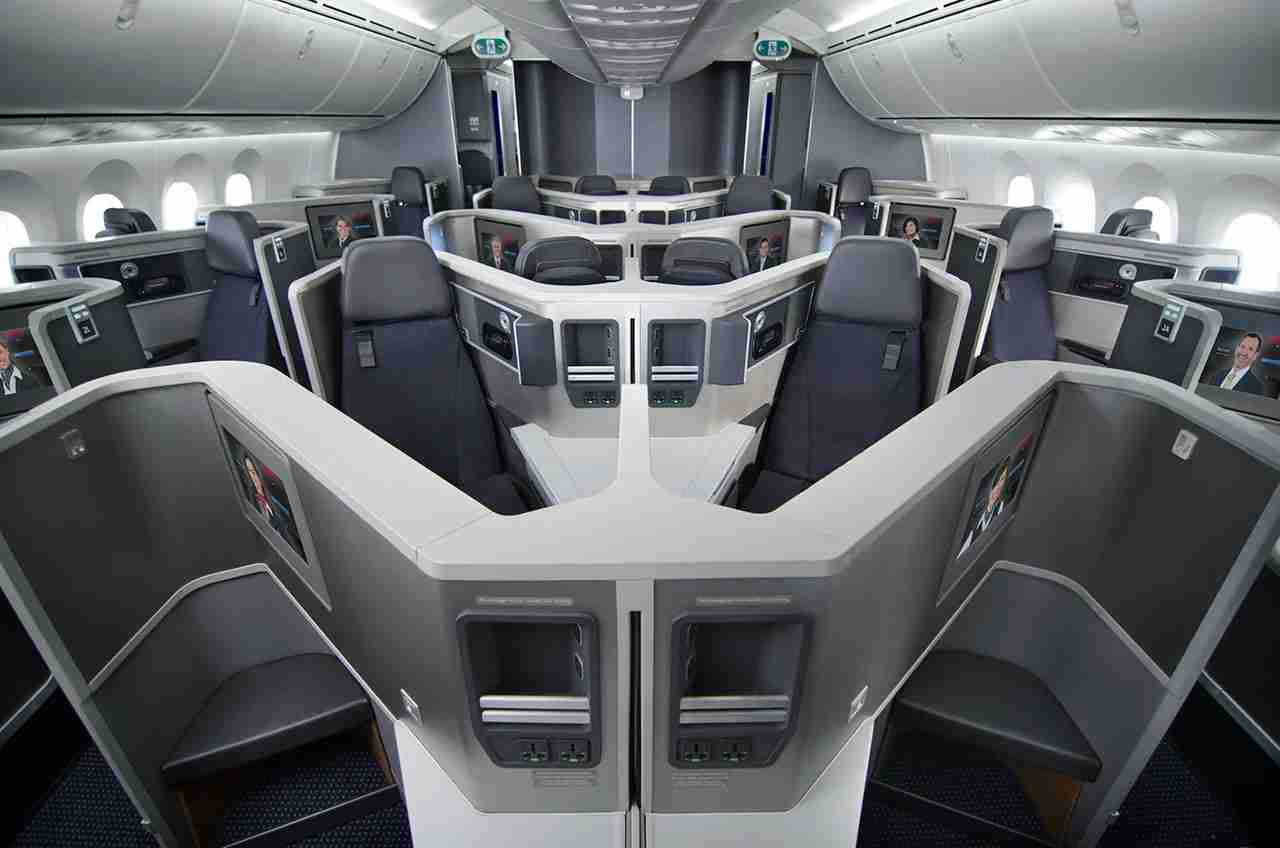 Business class on American Airlines Boeing 787-8 aircraft. Image courtesy of American Airlines.
