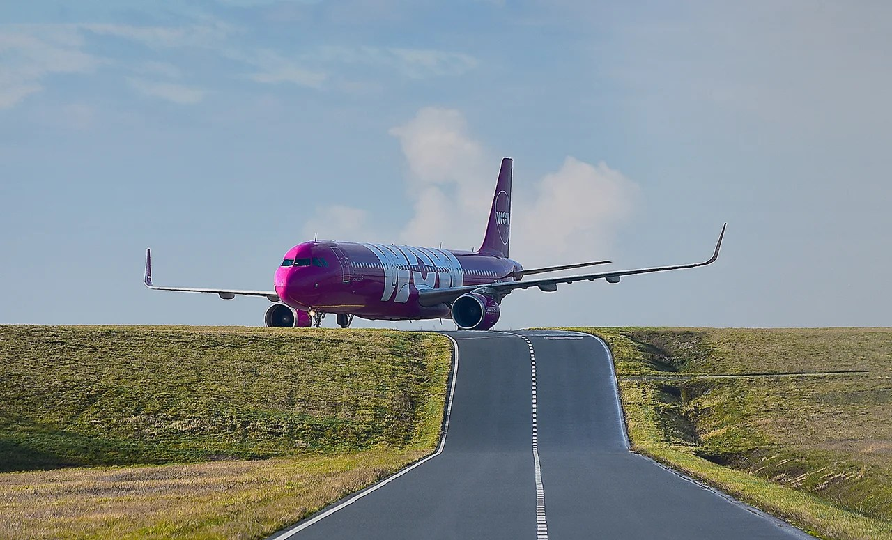 WOW air relaunch will now start with cargo, not passengers