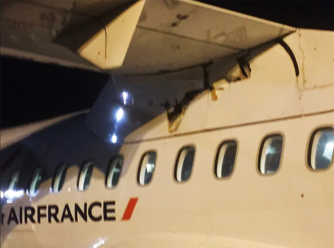 Mystery Object Strikes Plane Mid-Flight, Leaves Crack in Fuselage