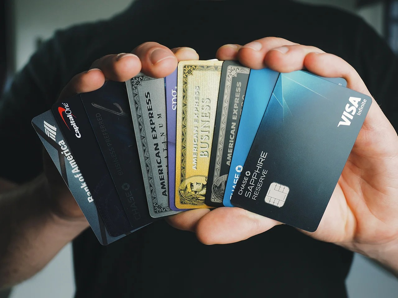 4 Credit Cards That Can Get You $1,000 or More in Value