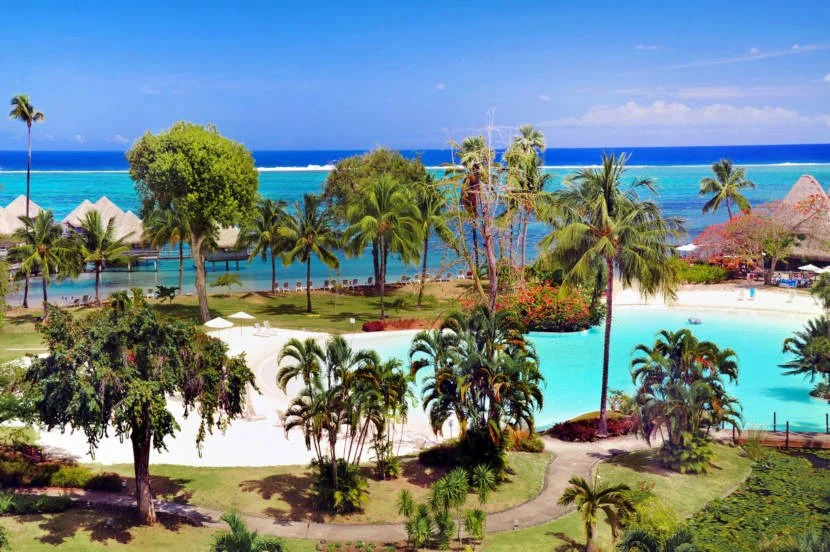 8 Of The Most Amazing Sand Bottom Pools In The World