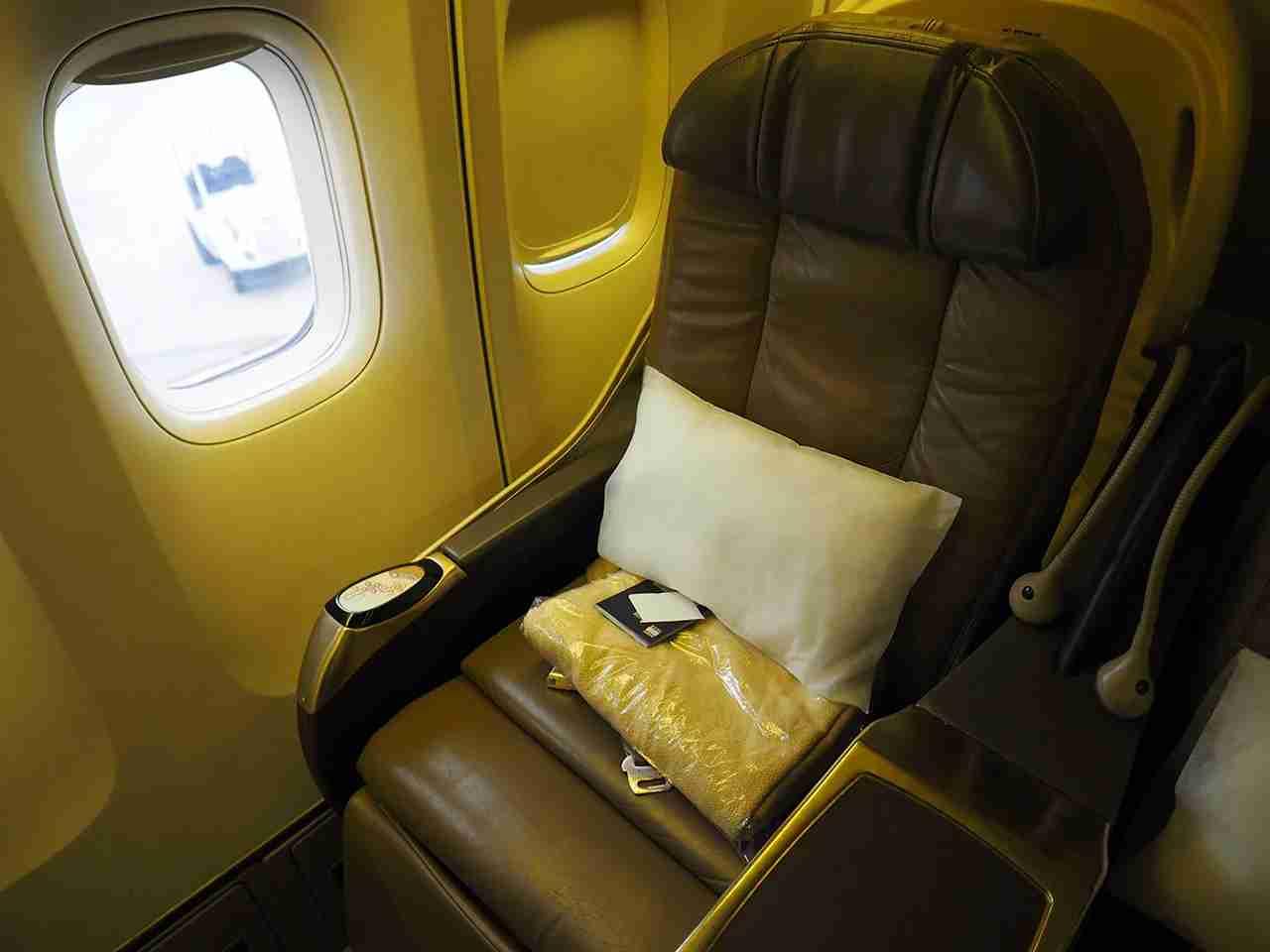 40K, a standard premium economy seat, located in the very last row of premium economy.