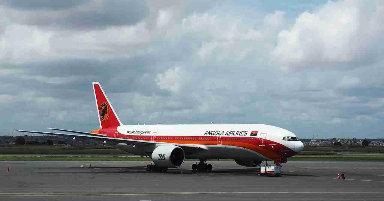 A TAAG Angola 777 sitting on the ramp in Luanda. Isn