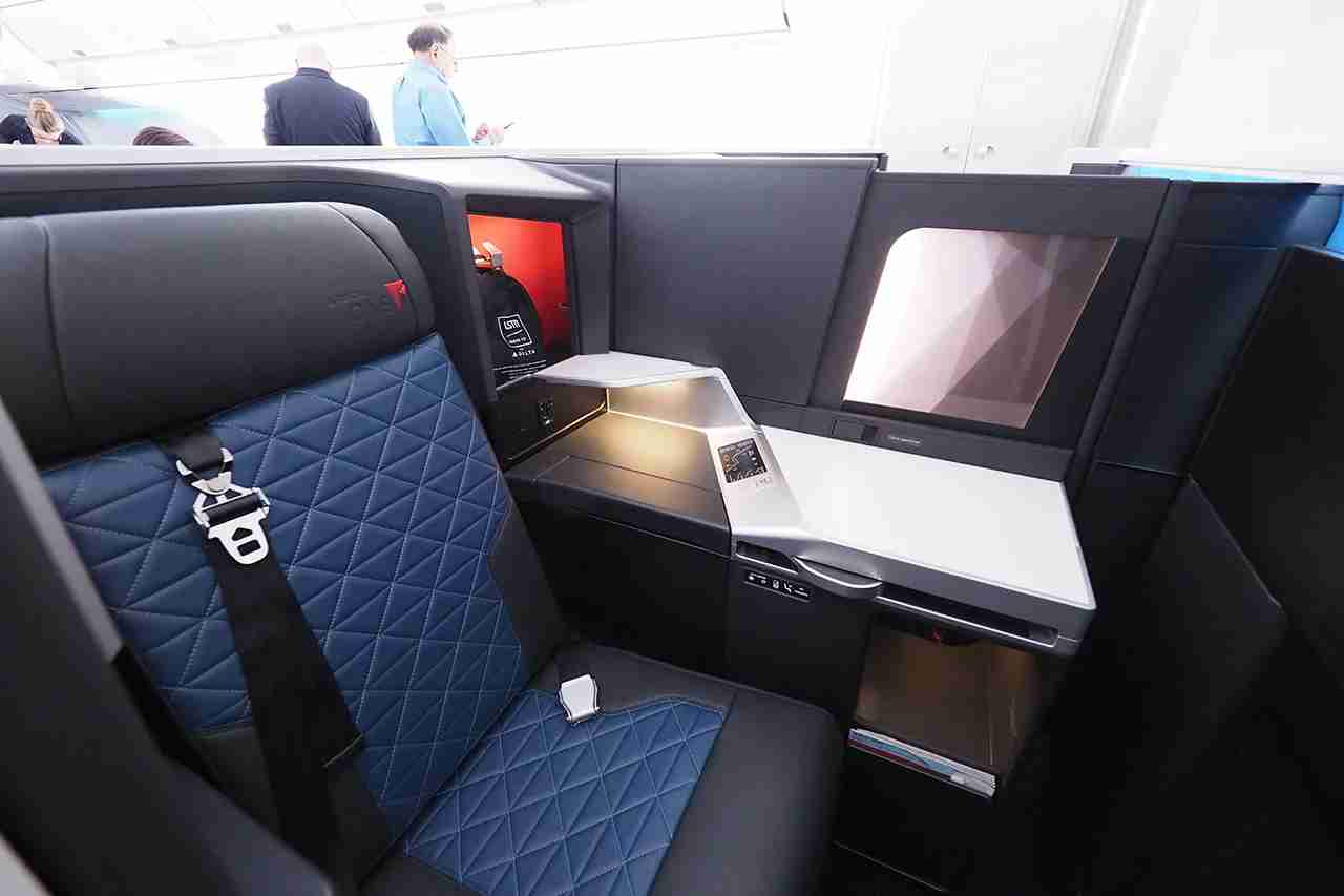 Delta One Suite onboard an Airbus A350