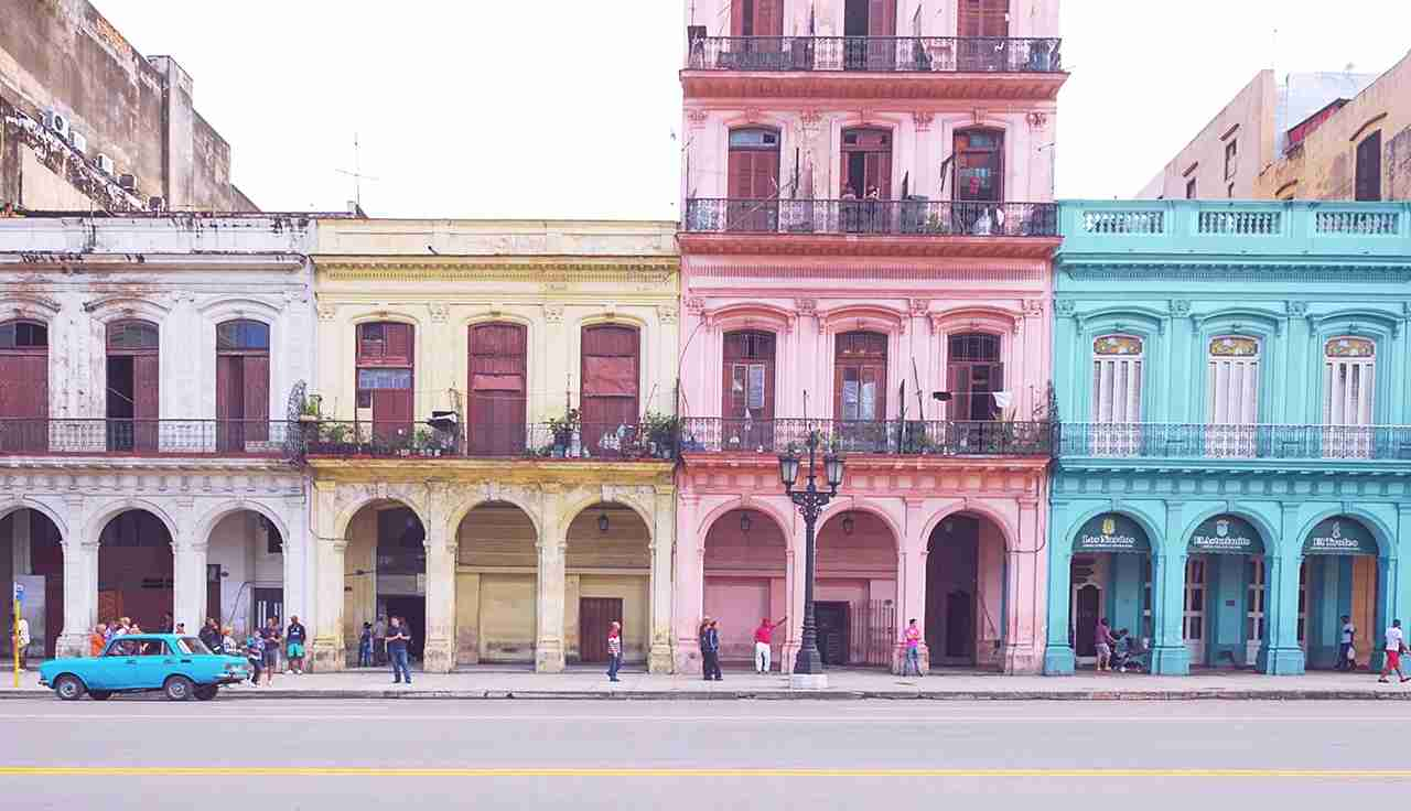 Explore the colorful streets of Havana. (Photo by @yellowillow via Twenty20)