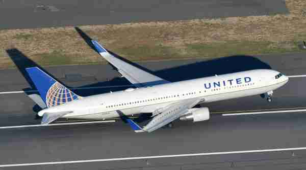 A United Boeing 767-300ER taking off from Newark in October 2017. Photo by Alberto Riva / The Points Guy