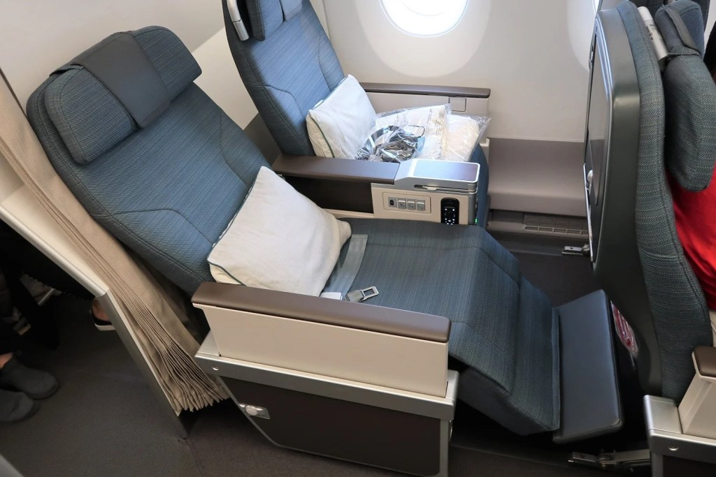 Review: Cathay Pacific Premium Economy on the A350 and 777