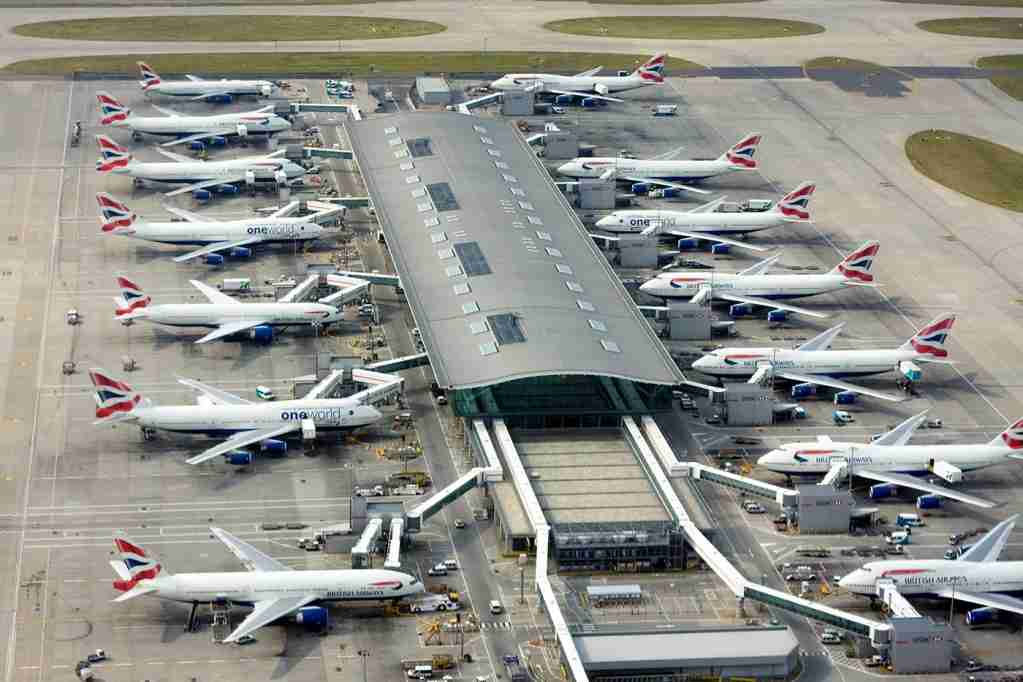 Aerial view of one of Terminal 5 buildings of London Heathrow Airport and Boeing 747 and 777 aircraft operated by British Airways at the gates (Image by Grzegorz Bajor via Getty Images)