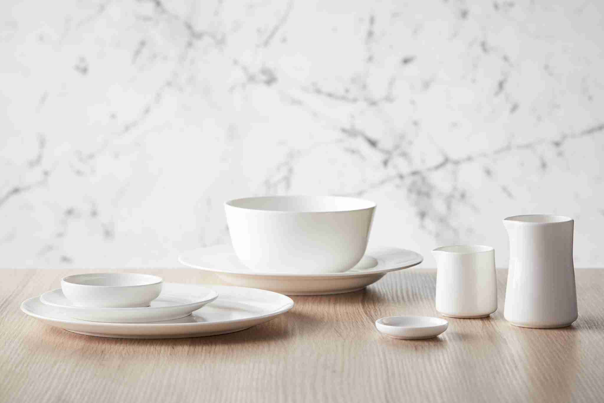 Qantas asked designer David Caon to create a new, lighter line of serviceware with Noritake. Image courtesy of Qantas.