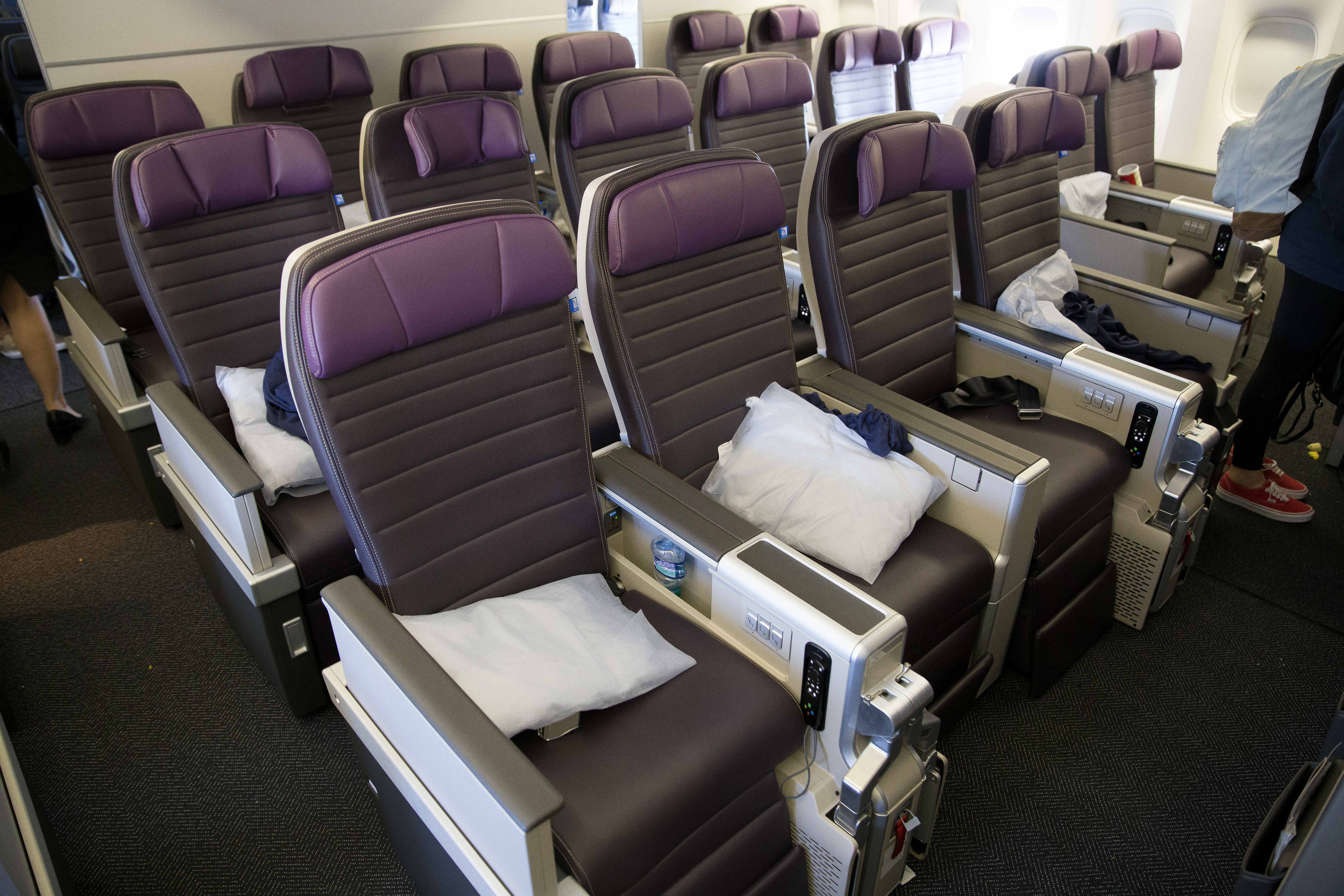 6051382adf7bf Review  United s New Premium Plus Seat on the 777-200
