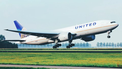 united is donating flights to reunite immigrant families