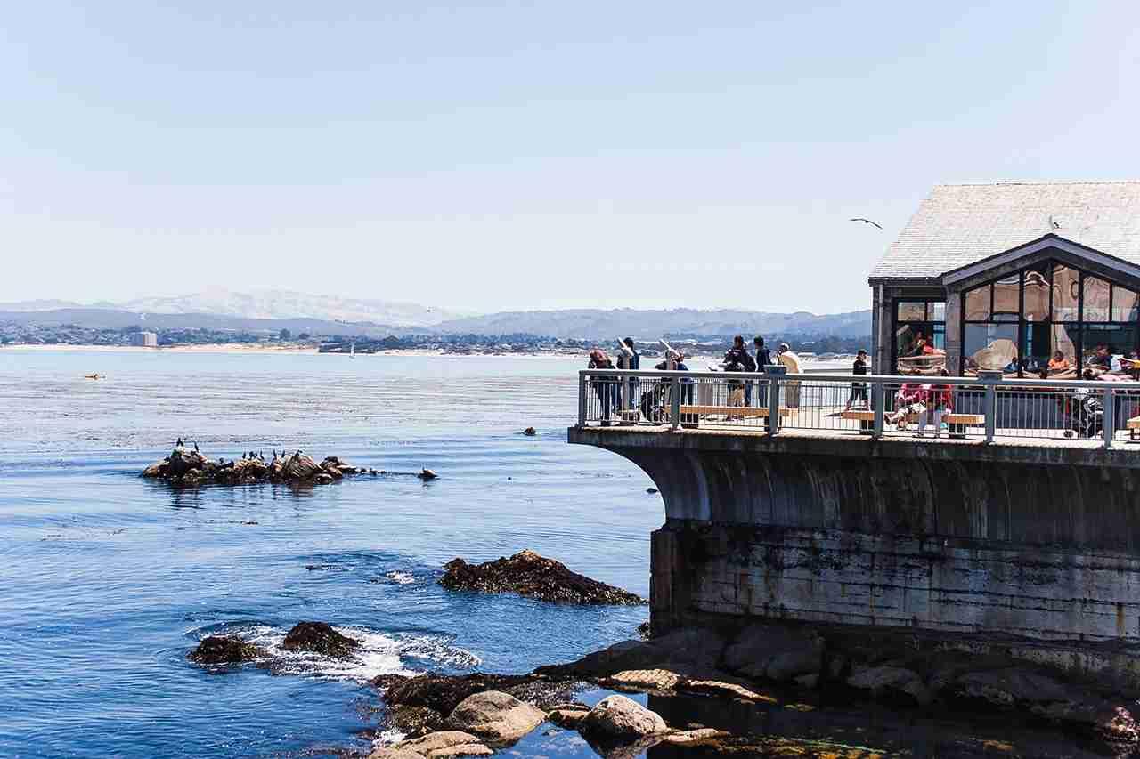 Observation deck, Monterey Bay Aquarium. (Photo by kristisan via Flickr)