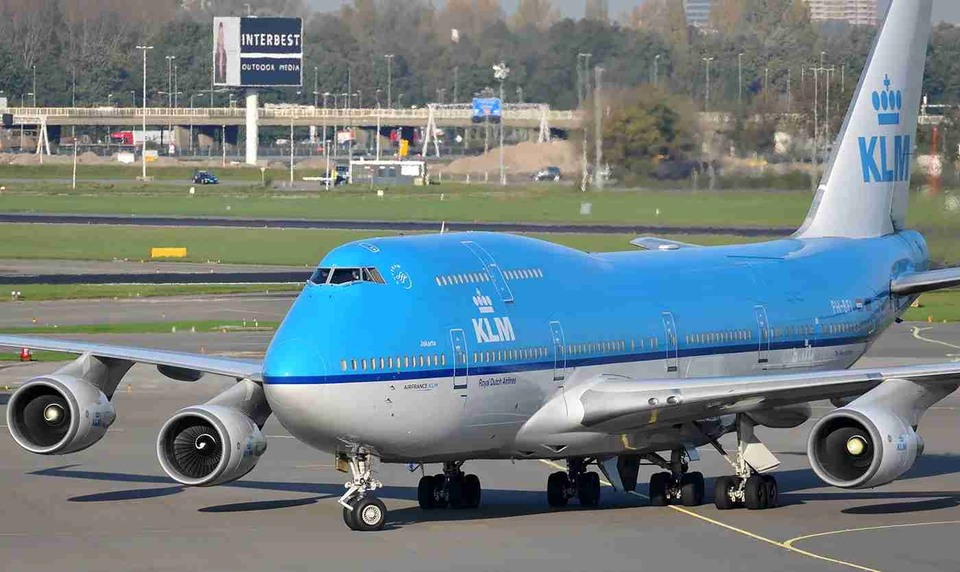 A KLM 747-400 at the Amsterdam airport in October 2014 (Photo by Alberto Riva / The Points Guy)