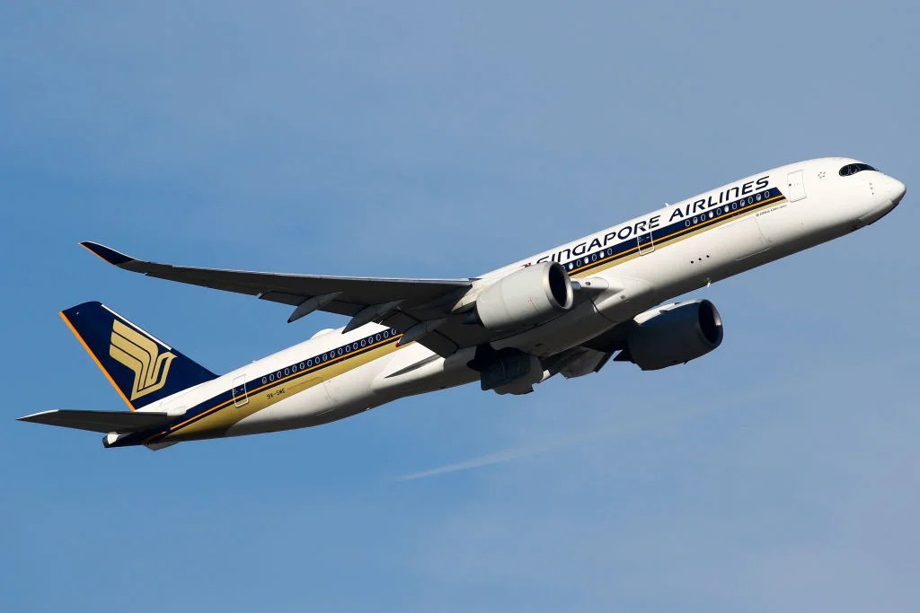 Singapore Airlines cancels hundreds of flights, including 44 to London
