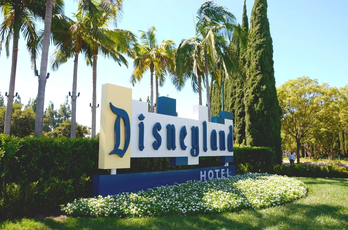 Where to stay at Disneyland On vs offproperty hotel