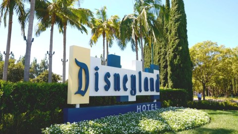 Where To Stay At Disneyland On Vs Off Property Hotel Comparisons