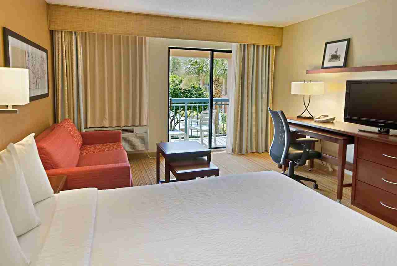 Photo courtesy of Courtyard Orlando Lake Buena Vista at Vista Centre