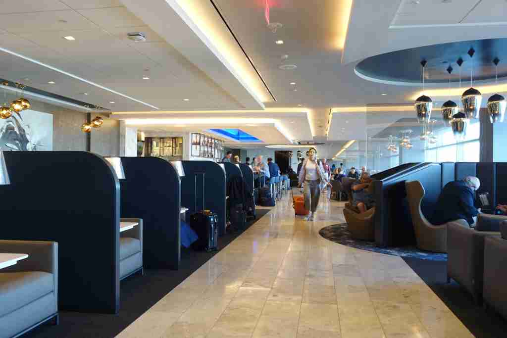 Despite an increase in service, HND will not offer a United Polaris Lounge. Photo by Zach Honig.