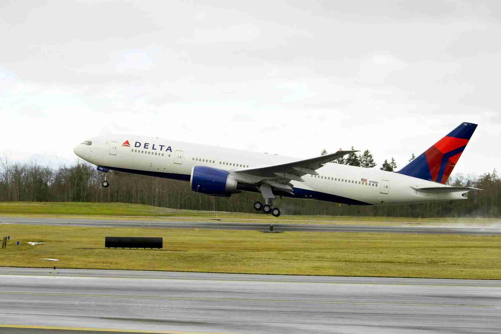 Delta Boeing 777-200LR taking off (Photo courtesy of Delta Air Lines)