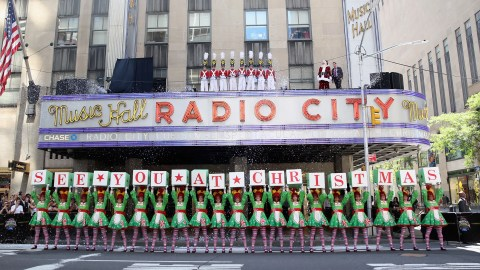 how to save money on radio city christmas spectacular tickets in 2018 - How Long Is The Radio City Christmas Show