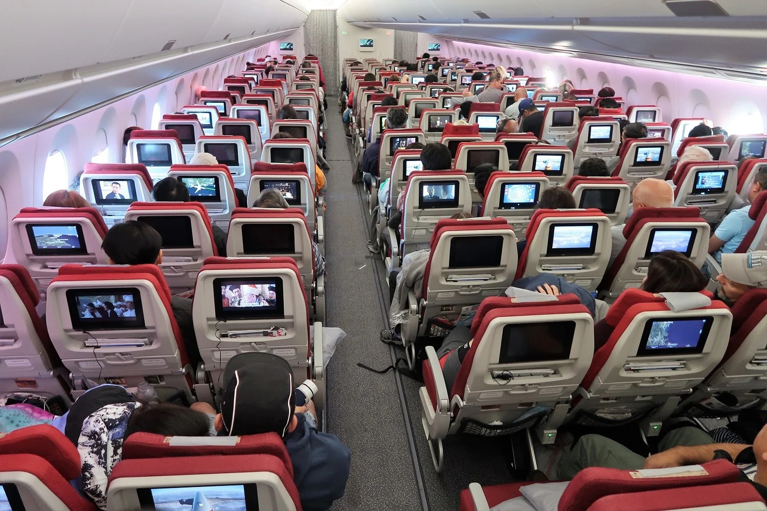 review hong kong airlines a350 900 economy lax hkg. Black Bedroom Furniture Sets. Home Design Ideas