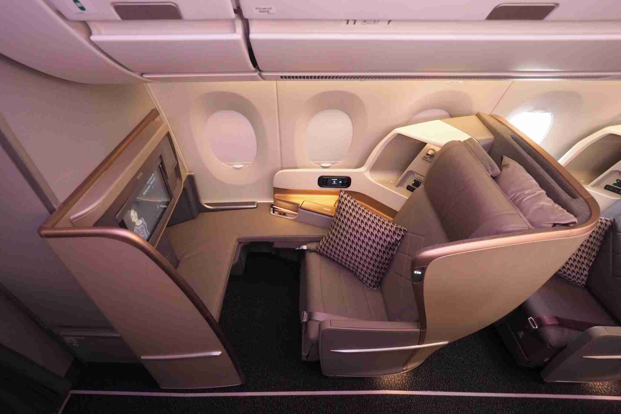 Singapore Airlines A350 Business Class. Photo by Zach Honig / The Points Guy