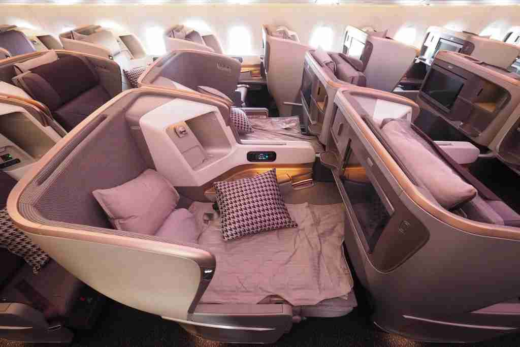 Some business class seats are better for families than others (Singapore A350 Business Class by Zach Honig / The Points Guy)