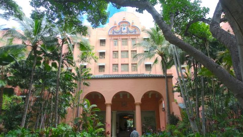 Review The Royal Hawaiian Luxury Collection Resort In Honolulu