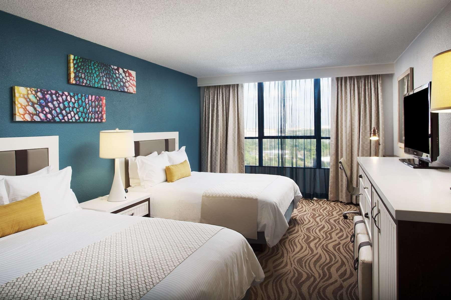 Wyndham Lake Buena Vista Room (photo courtesy of hotel)