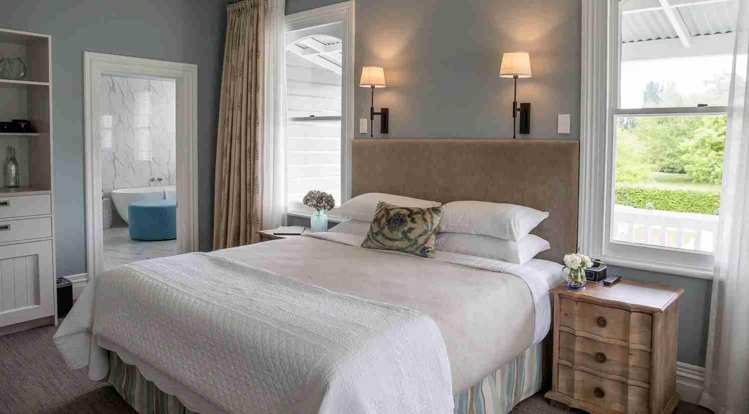 Splurge on a stay at the luxurious Marlborough Lodge. Photo courtesy of Marlborough Lodge.