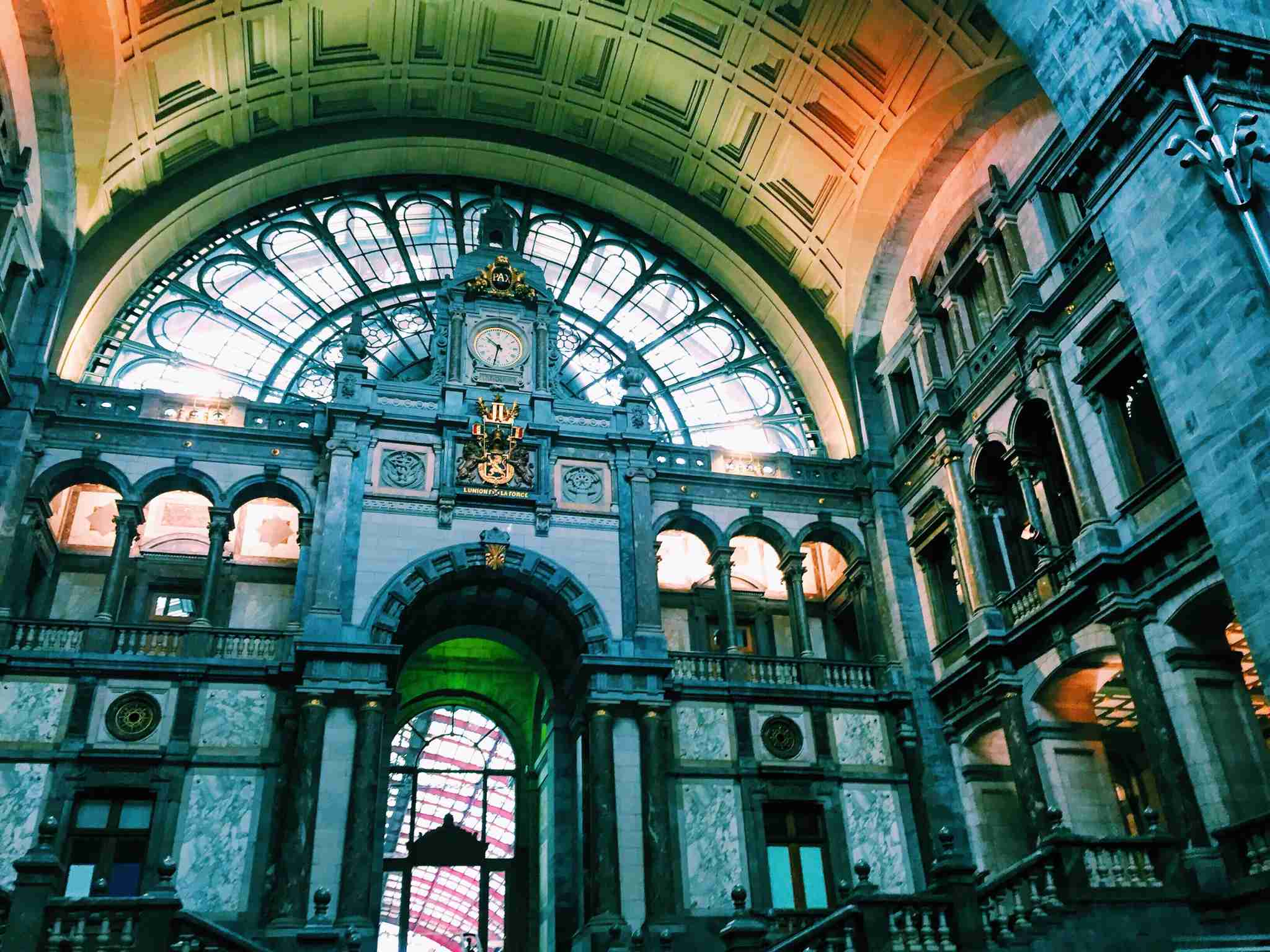Antwerp Central Train Station. (Photo by @caitsteph /Twenty20)