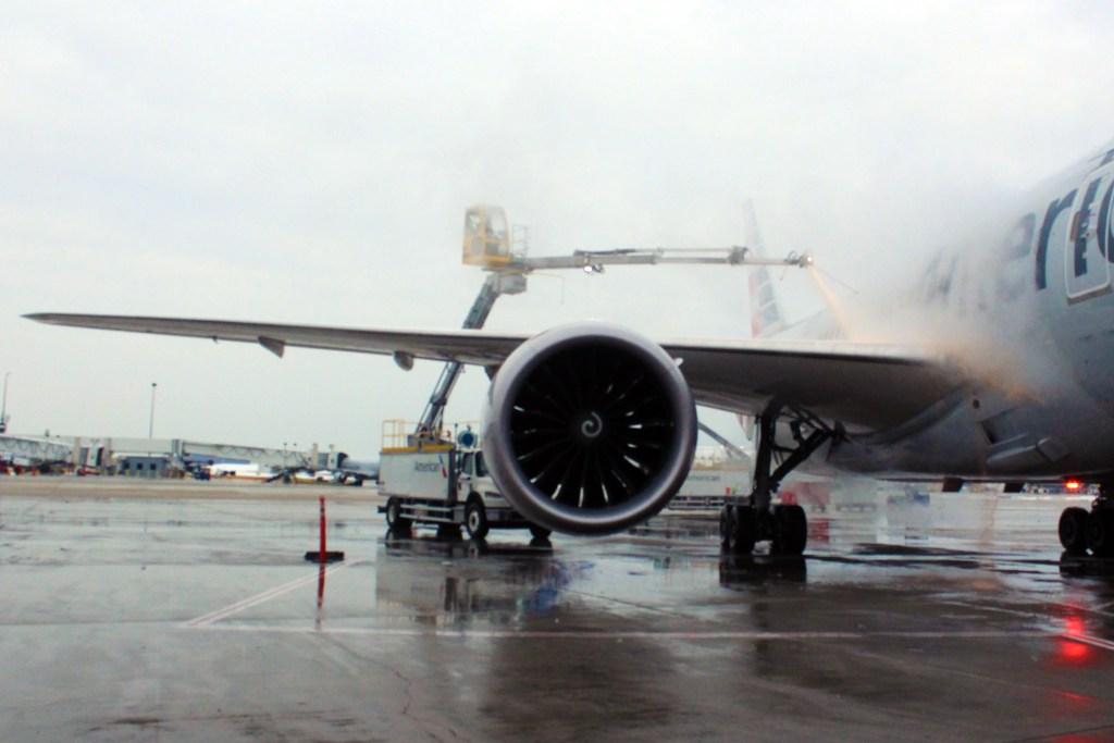 How Aircraft De-Icing Works