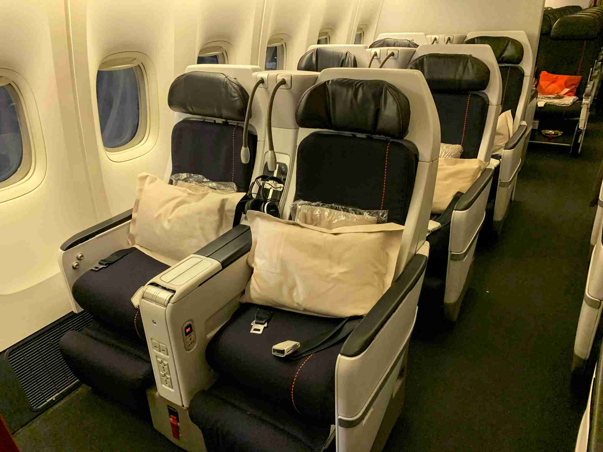Air France Boeing 777-200 Premium Economy Window Duo Seating
