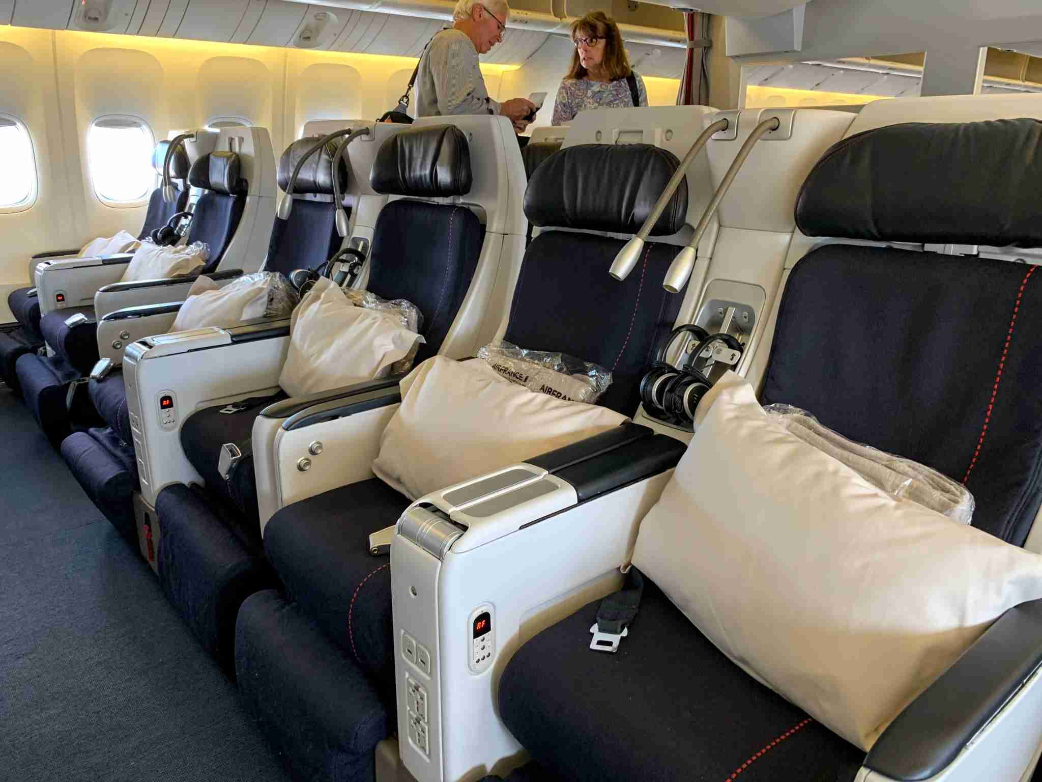 Air France Boeing 777-200 Premium Economy bulkhead row