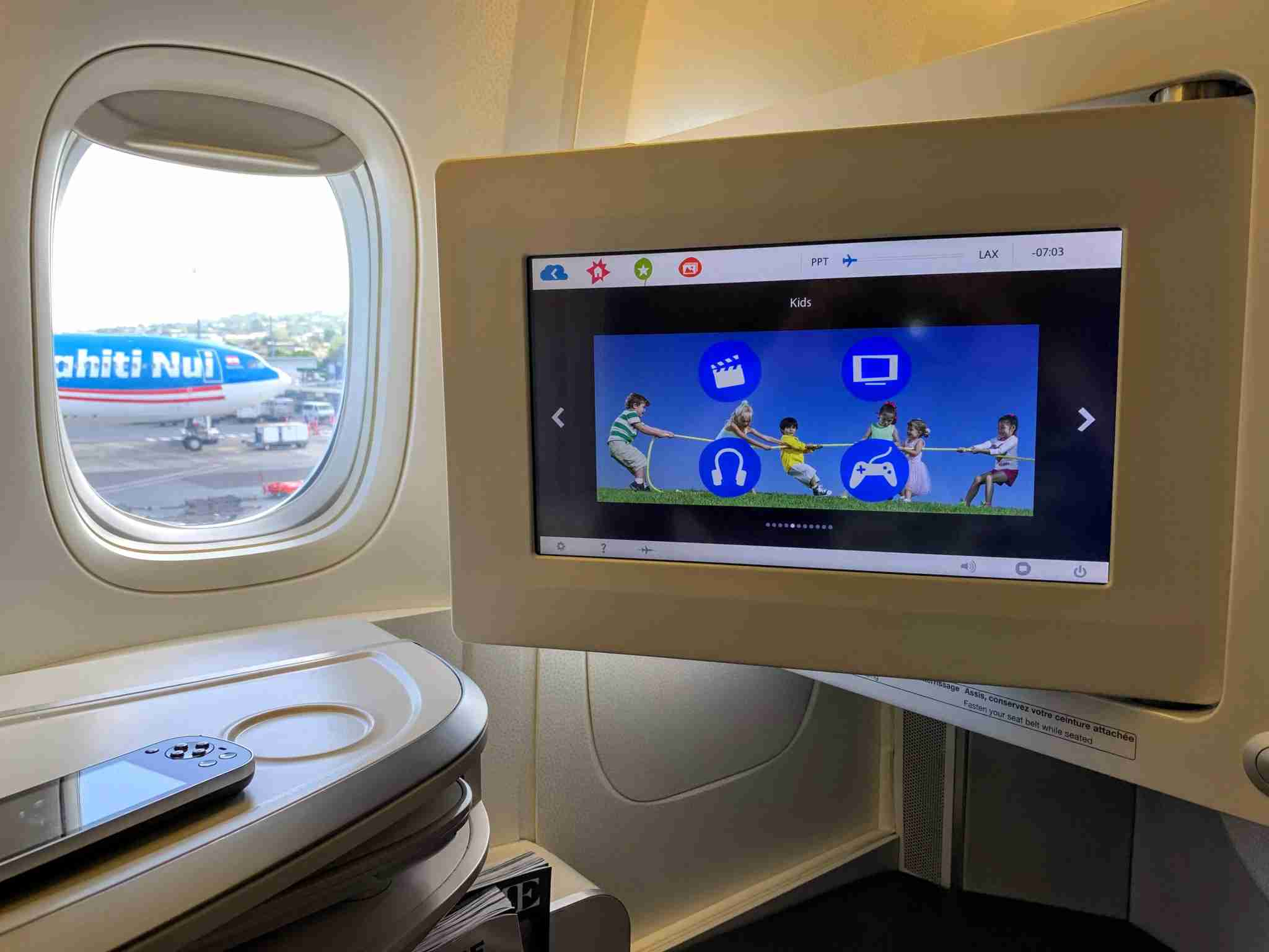 Air France Boeing 777 Business Class Seat LCD IFE Screen Kids content