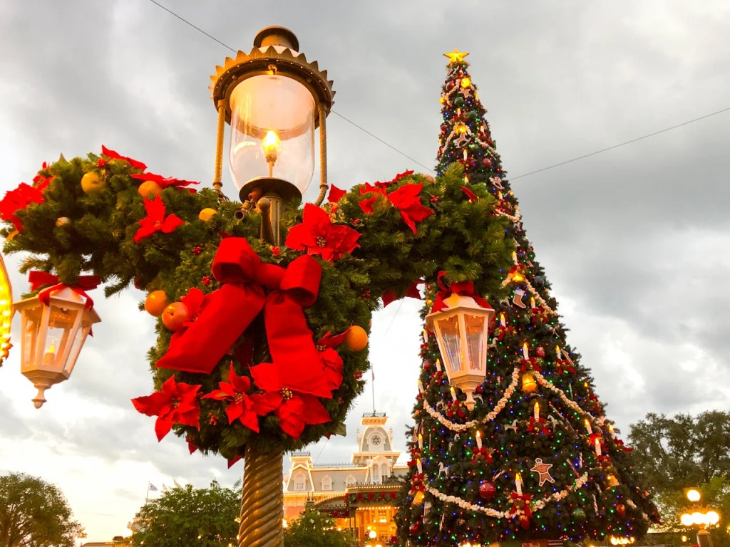 Guide To Visiting Disney World At Christmas
