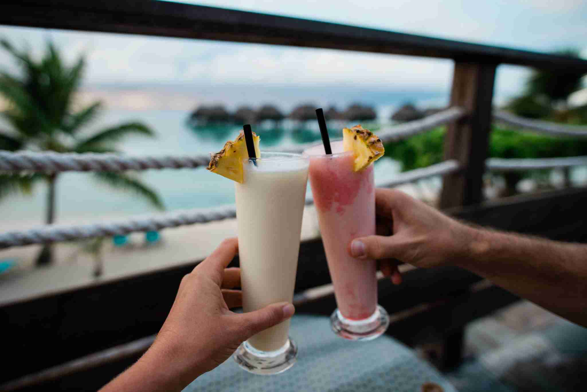 Hilton Moorea Lagoon Resort and Spa - drinks over the beach