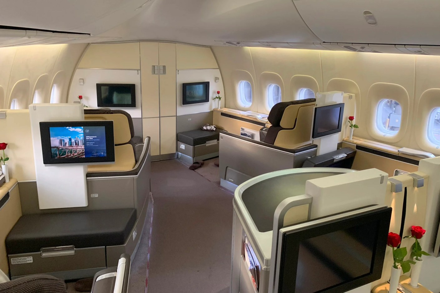Lufthansa First Class (Photo by Zach Honig / The Points Guy)