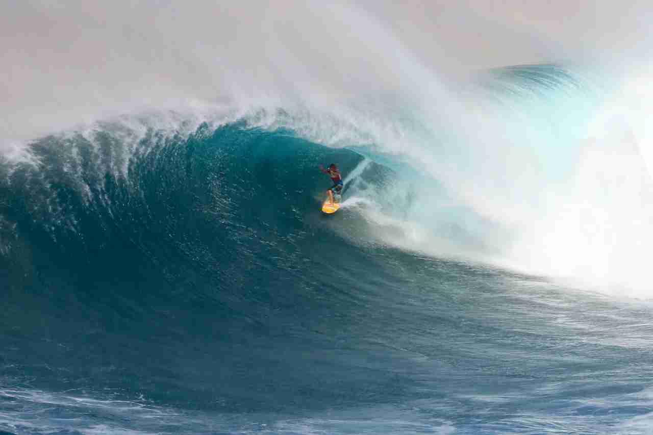 Jaws Surf Break aka Pe