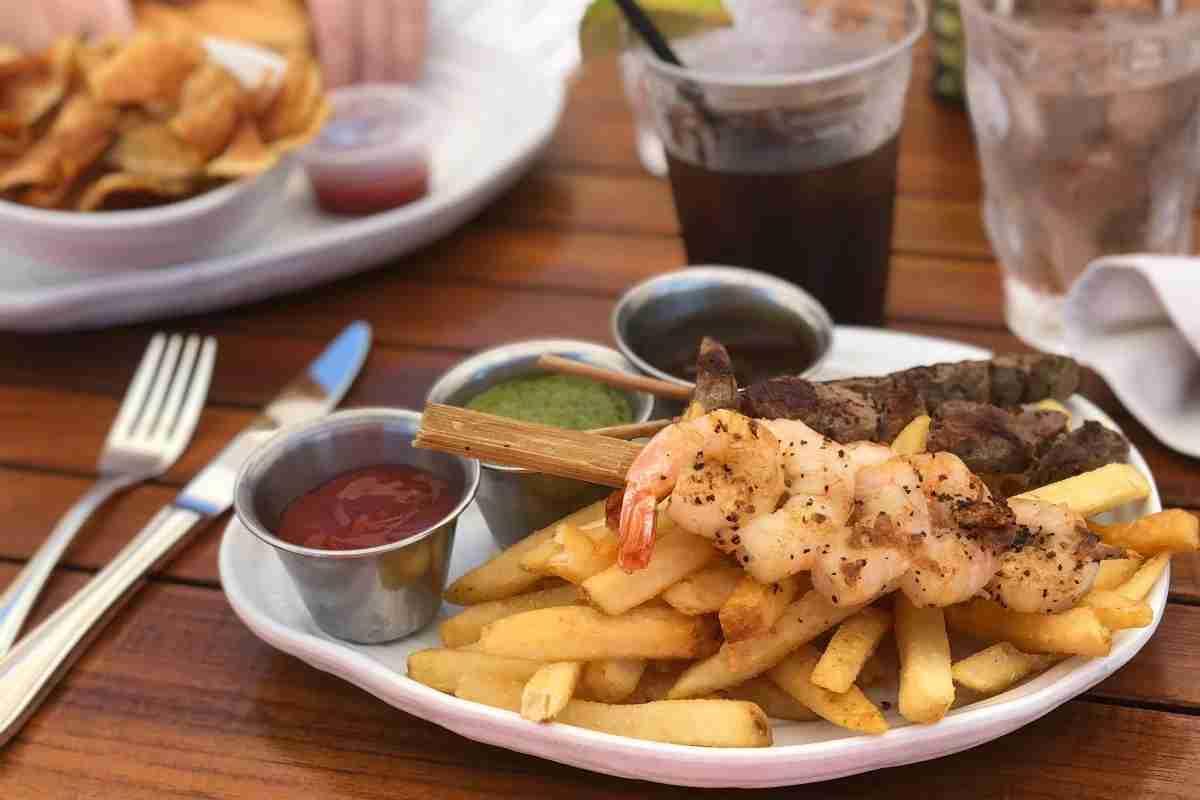 Mauna Kea Beach Hotel - Hau Tree Lunch