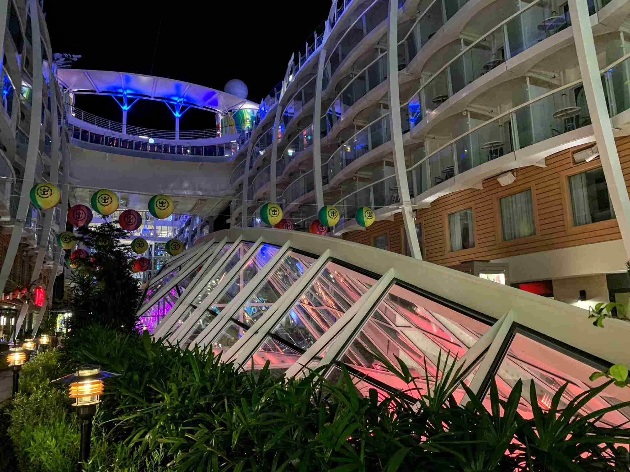 Royal Caribbean Symphony of the Seas - Night Central Park